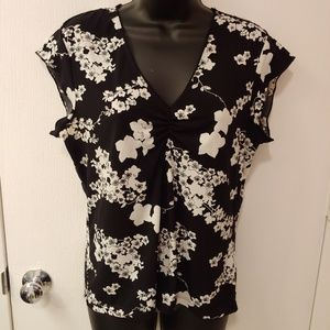 OLD NAVY cap sleeve black and white floral top